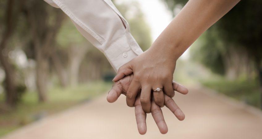 Можно ли заключить договор купли-продажи между супругами